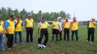 Pembukaan Turnamen Bupati Cup Resmi Di buka oleh Bupati Inhil HM Wardan
