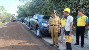 Bupati Wardan Harapkan Pengerjaan Ruas Jalan Kuala Cenaku - Rumbai Jaya Selesai Tepat Waktu Dengan Hasil Berkualitas