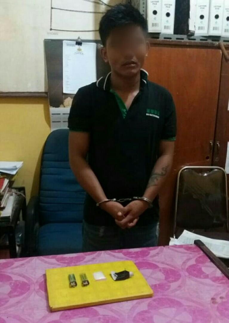 Tim Opsnal Polsek Bagan Sinembah Ciduk Pemuja Sabu Ini yang Sedang Tiduran di Rumahnya