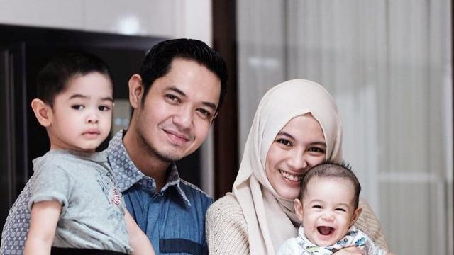 Tradisi Artis Tahun Baruan di Masjid, Dude Harlino: Nikmat yang Perlu Dilestarikan!