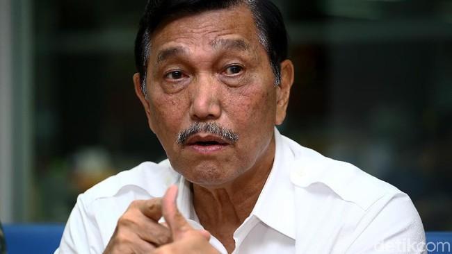 Ancaman Luhut ke Pembuat Hoax 'Cium Kaki Prabowo'