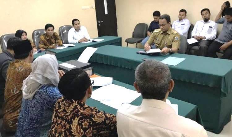 Hari Ini Vonis 'Dua Jari'Gubernur Anies, Galaknya Bawaslu Hanya kepada Lawan Politik Jokowi?