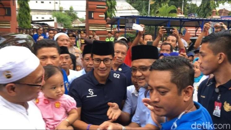 Sandi Sambangi Kades Nono di Tahanan, Pendukungnya Ungkit Kasus Menhub Kampanye Jokowi