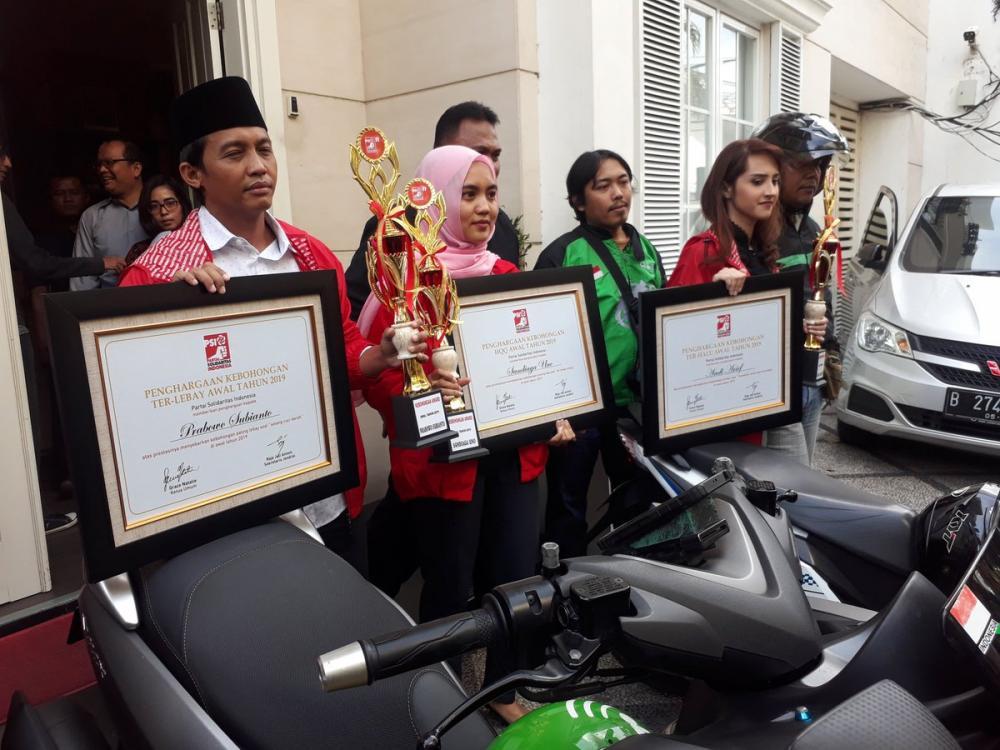 Gara-gara Kebohongan Award, Golkar Tegur PSI