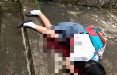 Aksi Sadisnya Terekam CCTV, Ini Ciri-ciri Pelaku Penusukan Siswi SMA Yang di Temukan Tewas Bersimbah Darah