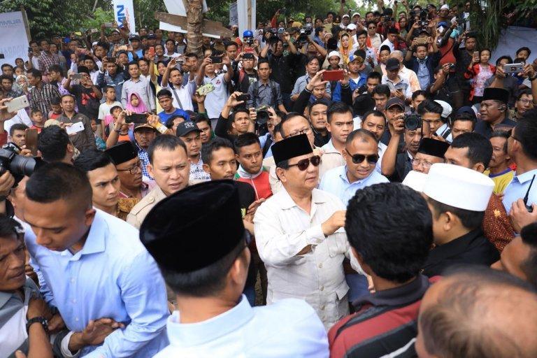 Oknum Polisi Robek Buku Tamu Tim Relawan Prabowo-Sandi, Apa Mau Intimidasi?