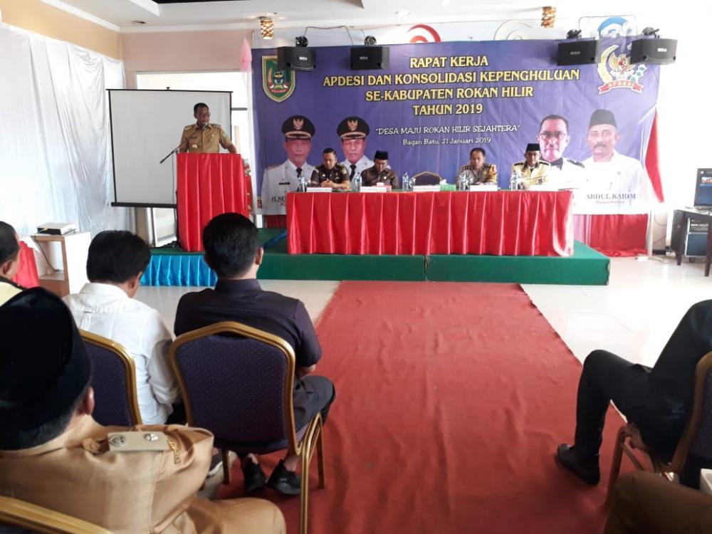 Bupati Rokan Hilir H Suyatno AMP Hadiri Rapat Kerja Bersama yang Digelar APDESI Rohil, Ini Katanya..