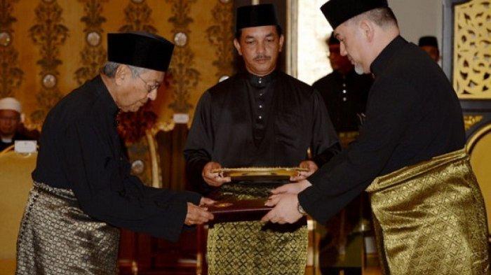 Peralihan Jabatan Perdana Menteri Mahathir Mohamad ke Anwar Ibrahim Tuai Pujian