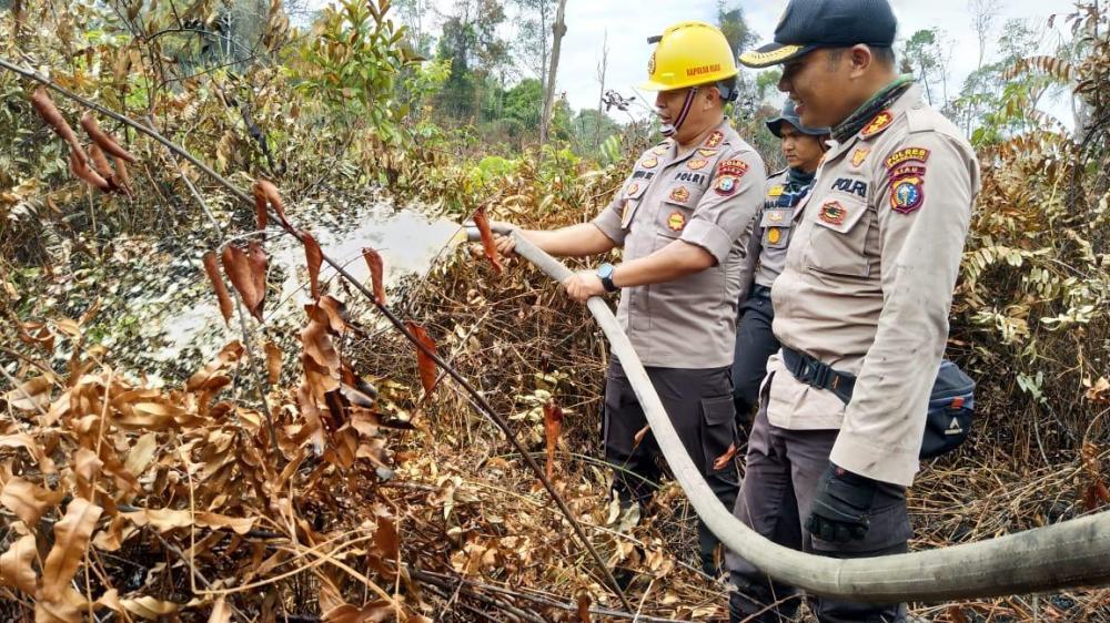 Kapolda Riau puji semangat pantang menyerah Tim pemadam Karhutla Bengkalis
