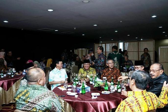 Bupati Inhil HM Wardan Hadiri RUPS Luar Biasa Bank RiauKepri
