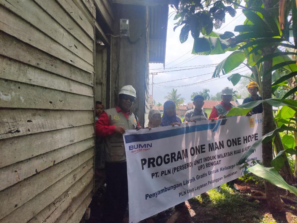 Melalui Program OMOH, Bantuan Pasang Baru Listrik Gratis Keluarga Tidak Mampu