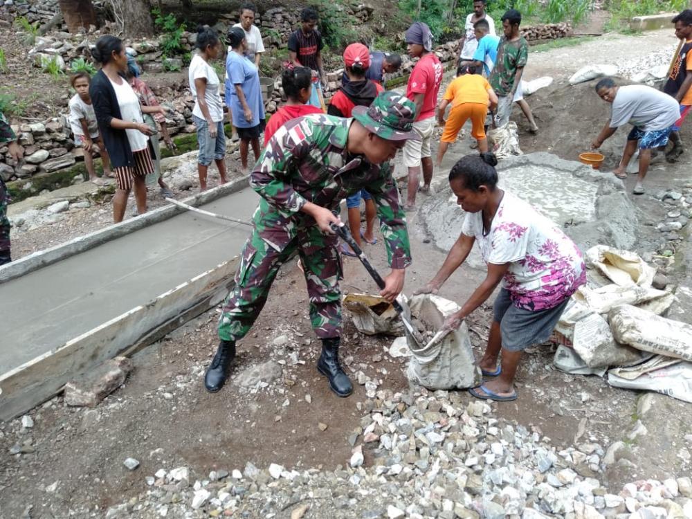 Yonif 132/BS, Wujudkan Kemanunggalan TNI Bersama Rakyat di Perbatasan.