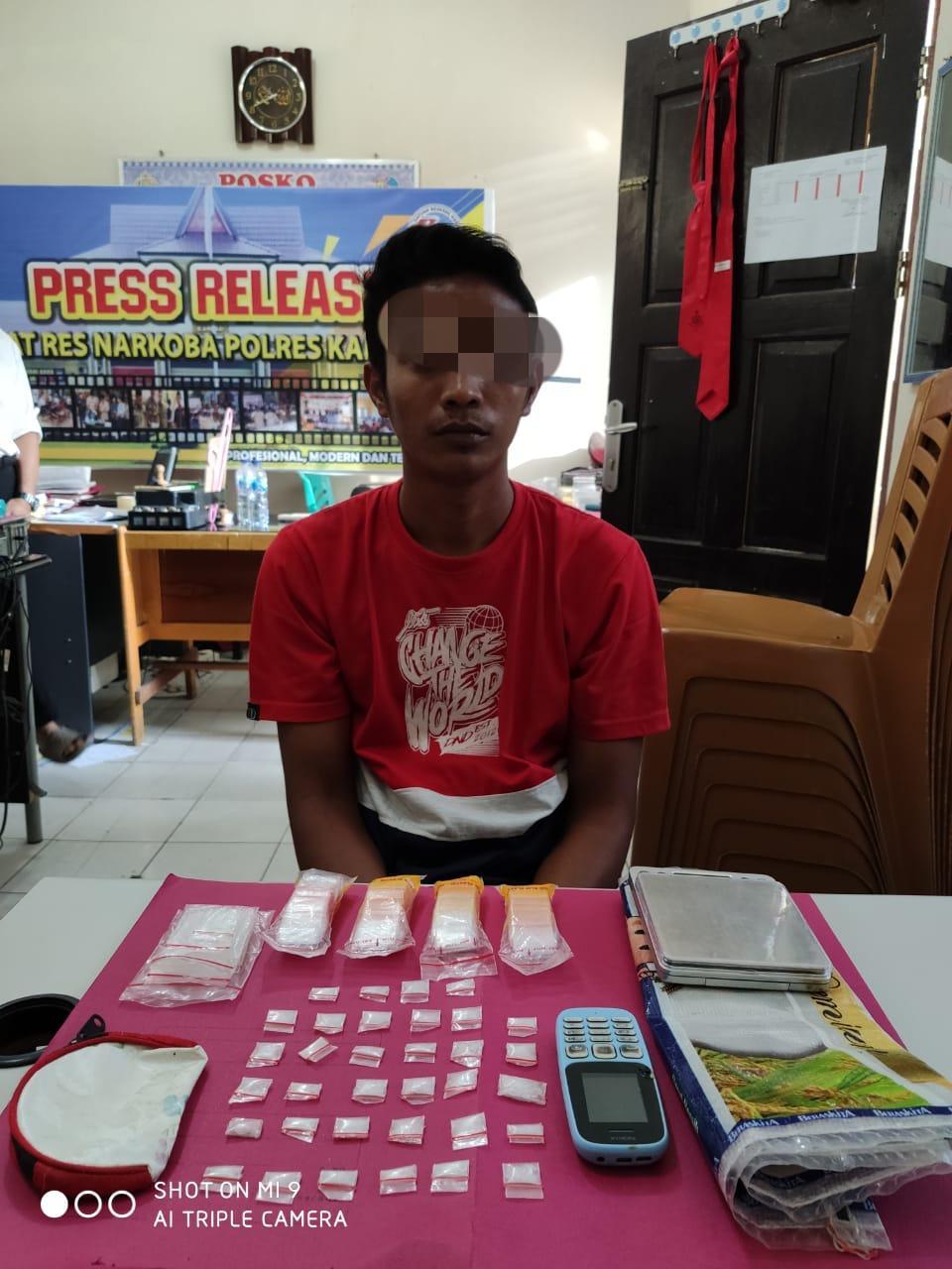 Diduga Sering Jual Narkoba kepada Pelajar, Warga Desa Ranah Kampar ini Ditangkap Polisi