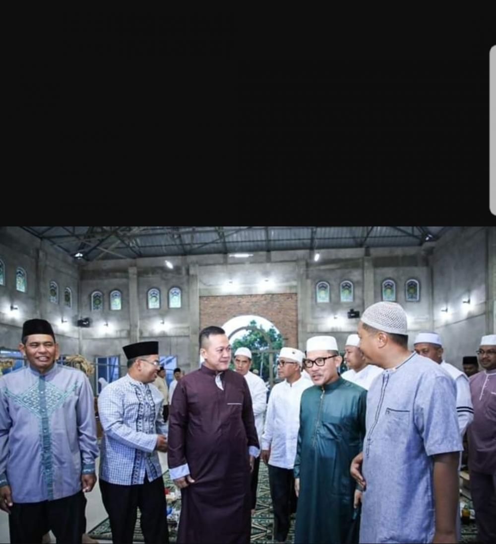 Walikota Dumai H. Zulkifli AS Hadiri kegiatan Subuh Barokah di Masjid BTN Asri Dumai