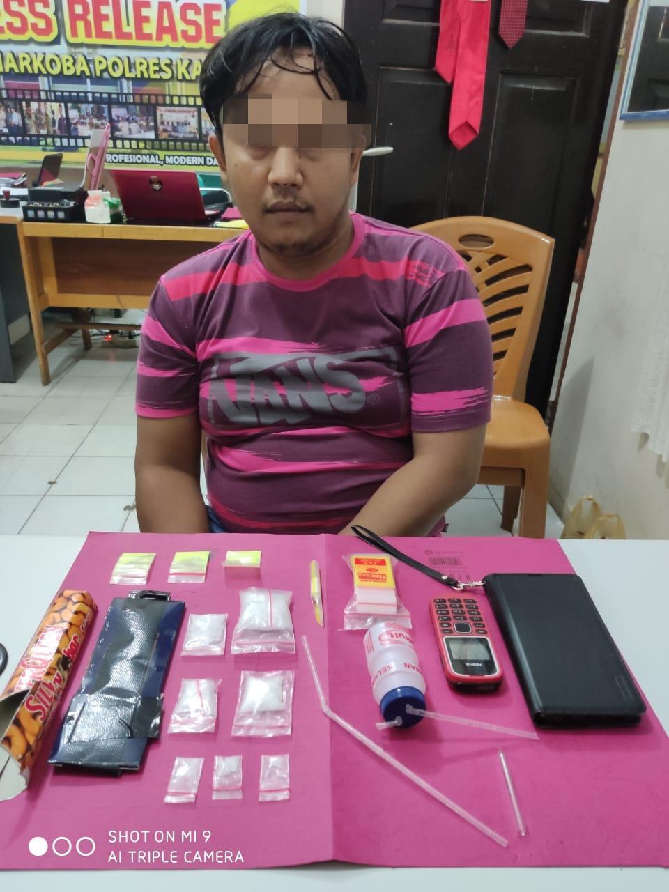 Ditemukan Puluhan Paket Shabu, Polres Kampar Tangkap 2 Tersangka di 2 TKP,.