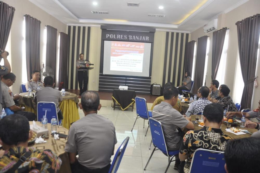 Polres Banjar dan sejumlah Perbankan Lakukan Penandatanganan Kesepakatan Pengamanan dan Pengawalan