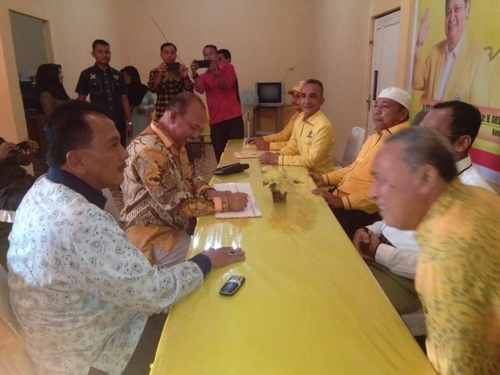 H .Hamulian dan H Tedy Mirzal Dal Mendaftar Di Partai Golkar Untuk Calon Bupati-Wakil Bupati Rohul