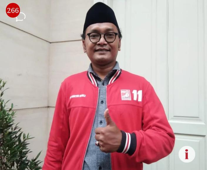 Guntur Romli Politikus Partai Solidaritas Indonesia(PSI) Sebut UAS Hanya Mencari Perhatian Alias Caper