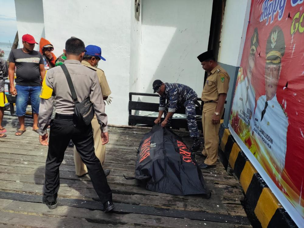 Mayat Mr X Terapung di Perairan Panipahan Rohil Ditemukan Kapal Nelayan, Begini Kondisinya..