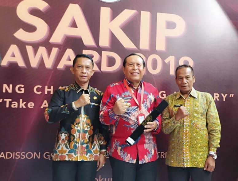 Bupati Kabupaten Rokan Hulu .H.Sukiman  Raih Perestasi SAKIP Award 2019 Dari Menteri PAN RI