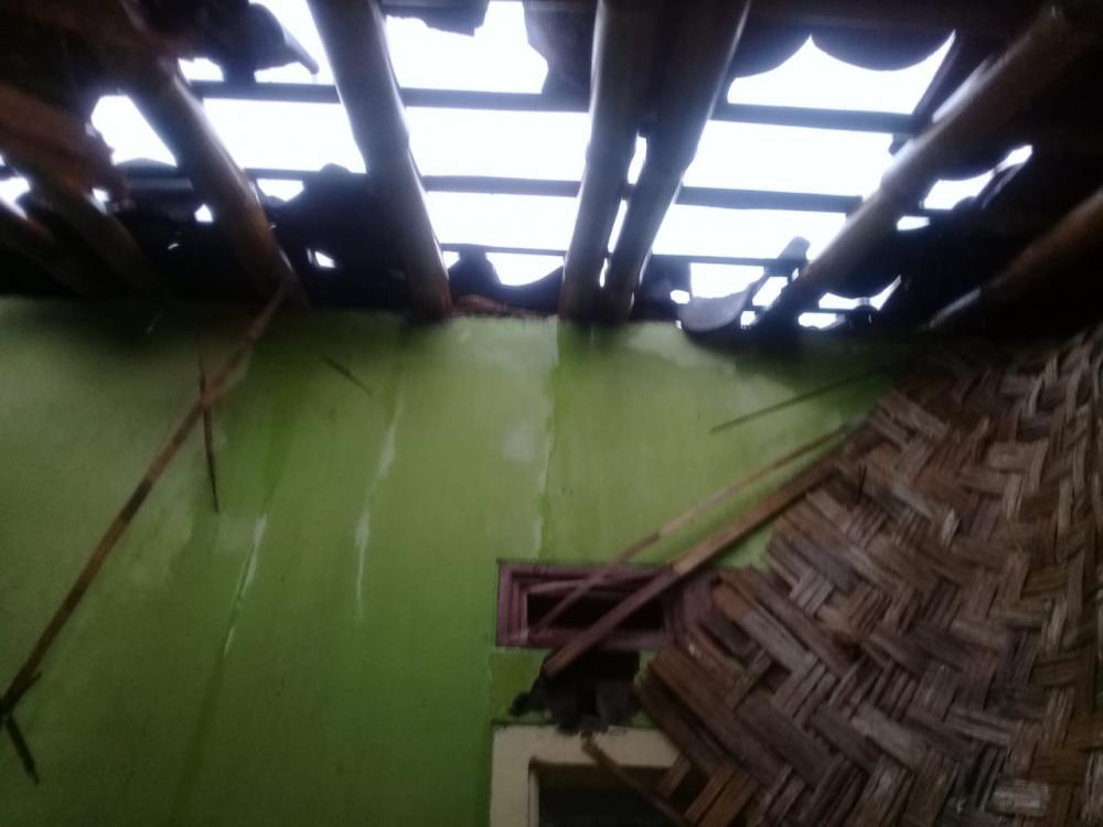 Akibat Hujan Lebat Satu Rumah Warga Disambar Petir