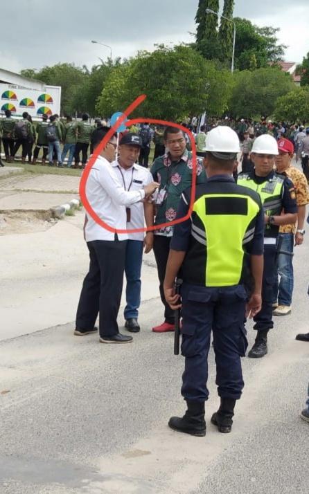 Parah....Wartawan di Larang Masuk Liput Kedatangan Jokowi oleh PT RAPP