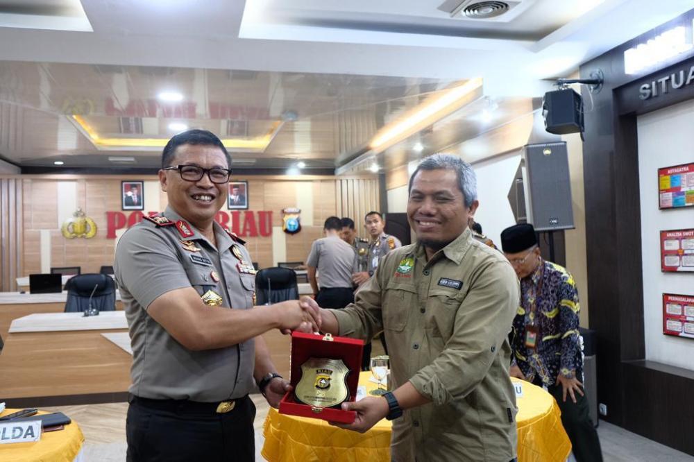 Kapolda Riau Diskusikan Prediksi Karhutla 2020