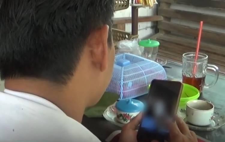 Viral, Seorang Pria Sebar Video  Aksi Mesumnya Bersama Ibu dan Anak Kandung