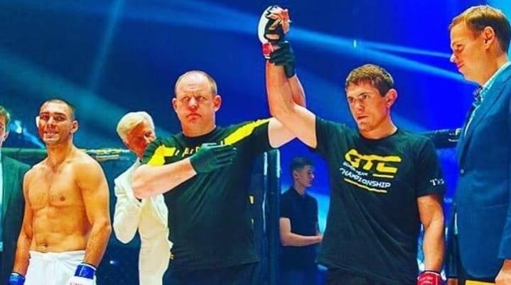Kesal karena Hina Agama, Petarung MMA Rusia Banting Lawannya Usai  Pertarungan di Octagon