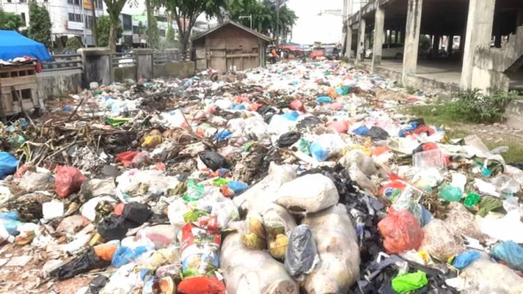 Tersangkut Masalah Sampah, Kadis LHK Pekanbaru Dicopot dari Jabatan