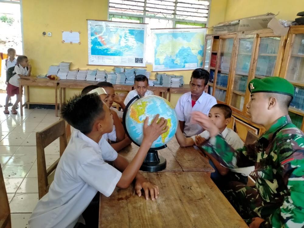 Pengabdian Tanpa Batas, Satgas Yonif 132/BS, Menjadi Guru di Perbatasan