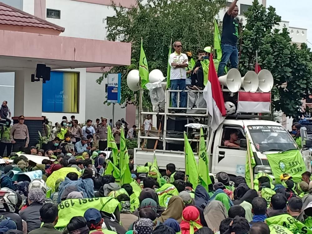 *Pengamanan Aksi Pernyataan Sikap dari Serikat Buruh Seluruh Indonesia (SBSI) 1992 Priangan Timur.*