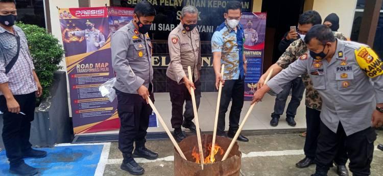 Polsek Bagan Sinembah Musnahkan Barang Bukti Ganja Seberat 400,33 Gram