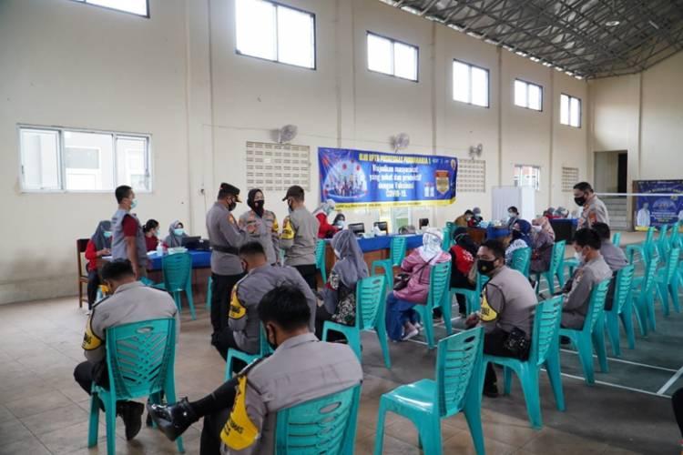 Setelah 2 Minggu Vaksinasi Tahap Pertama, Personel Polres Banjar Menjalani Vaksinasi Tahap ke-2