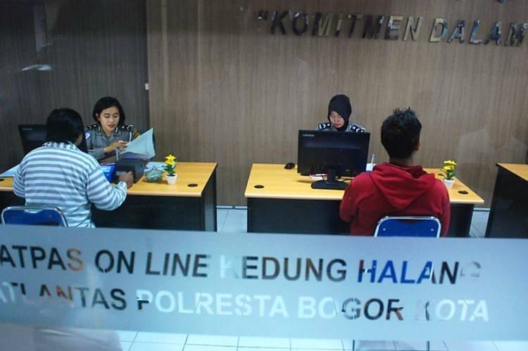 Horee...! Mulai bulan Depan Perpanjangan SIM Cukup Lewat Ponsel