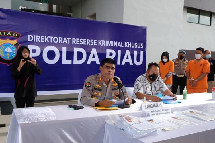 Penyidik Polda Riau Ungkap TP Perbankan, 2 Tersangka Diamankan dengan Kerugian Rp 1,3 M Uang Nasabah