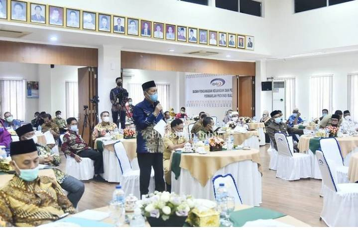 H.Syamsuddin Uti Mengikuti Rakoor Pengawasan Intern Keuangan dan Pembangunan Tingkat Provinsi Riau Tahun 2021