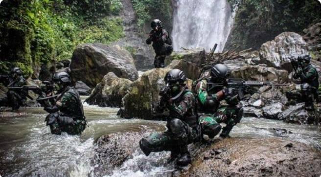 Khairul alias Irul alias Aslam mati ditembak TNI tepat di hadapan pengganti ayahnya