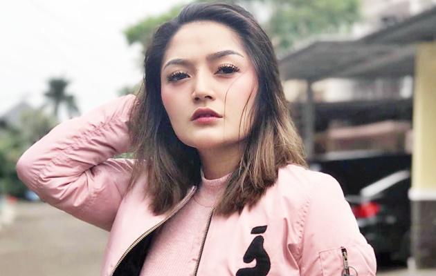 Siti Badriah Dihujat Netizen, Lantaran Posting Foto Lagi Mandi