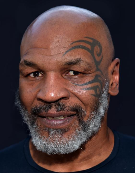 Mike Tyson Berharap Bisa Ngisap Ganja Bareng Bob Marley