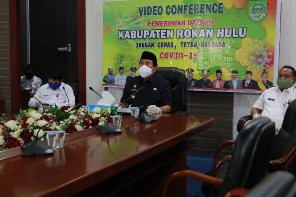 Bupati Sukiman Video Conference dengan Camat Se Rohul Pastikan Penanganan Covid-19
