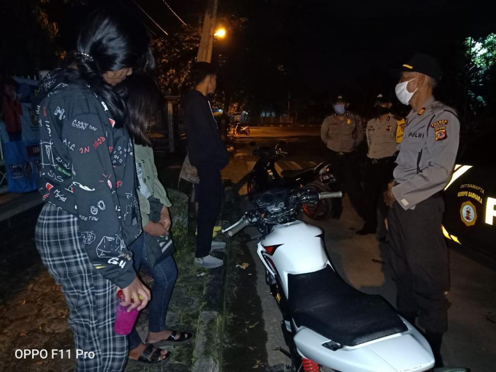 Polres Banjar Bubarkan Puluhan Anak Muda Yang Berkumpul