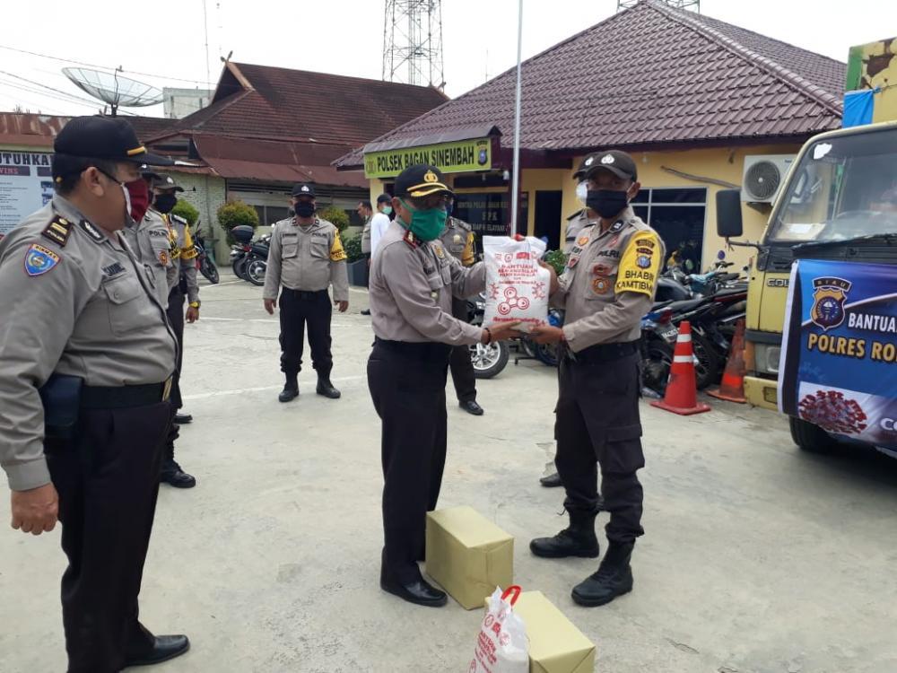 Bantuan Kemanusiaan Tiba, AKBP Panangian Serahkan Langsung ke Bhabinkamtibmas Untuk Warga Binaan