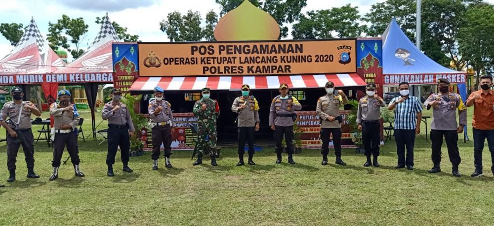 Kapolres Kampar Cek Pospam Ops Ketupat Lancang Kuning 2020 di Lapangan Merdeka Bangkinang