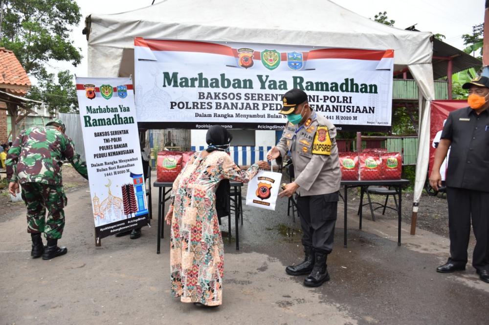 Sambut Bulan Suci Ramadhan Polres Banjar Bagikan Sembako