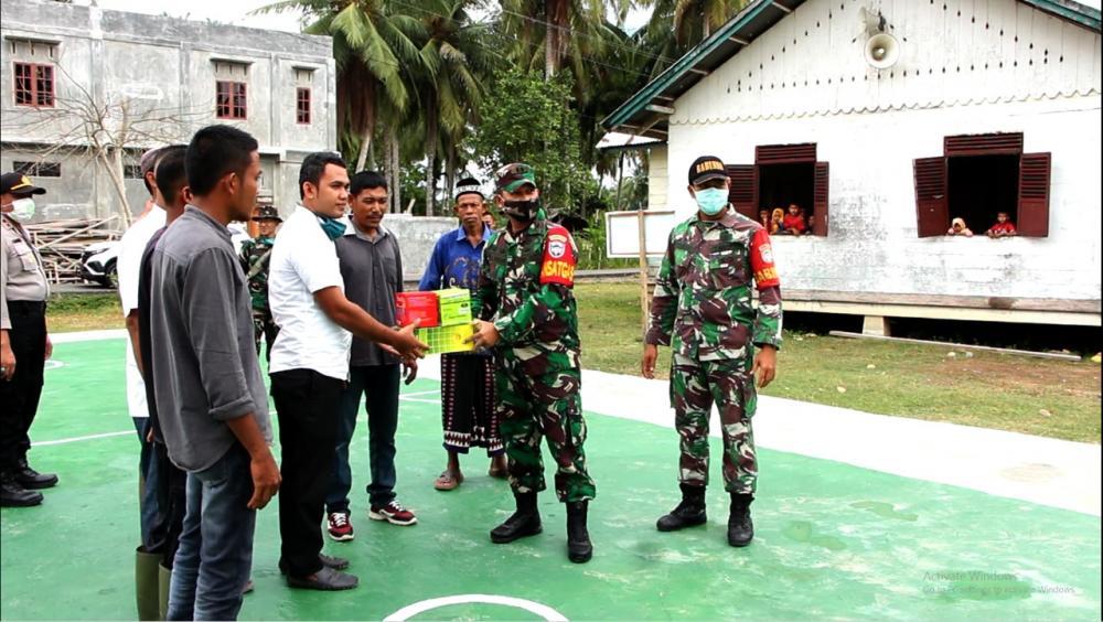 Dandim 0104/A Tim Serahkan Bantuan Sarana, Harapkan Dapat Lahir Atlet Olahraga Bola Takraw