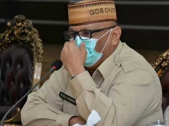 Gubernur Gorontalo Sumbangkan Gajinya Setiap Bulan, Selama Dua Tahun Untuk Membantu Penanganan COVID 19