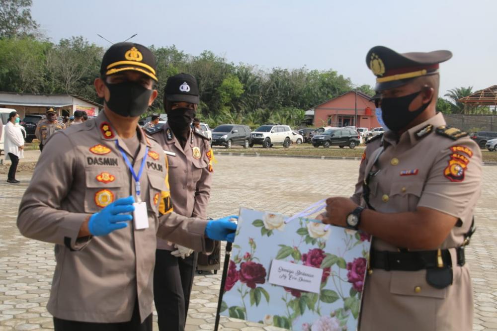 Kapolres Rohul ,AKBP Dasmin Ginting, SIK,  pimpin acara sertijab  Kapolsek Tambusai Utara.