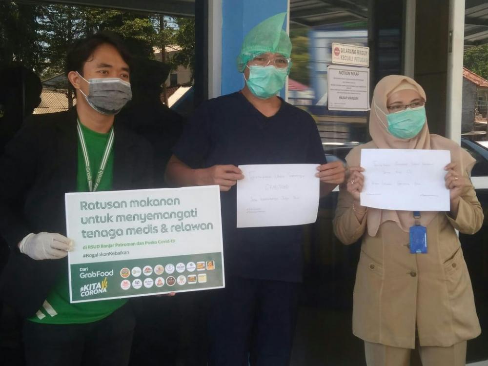 Peduli Terhadap Perjuangan Tim Medis Dan Relawan Civid-19, Grabfood Kota Banjar Berbagi