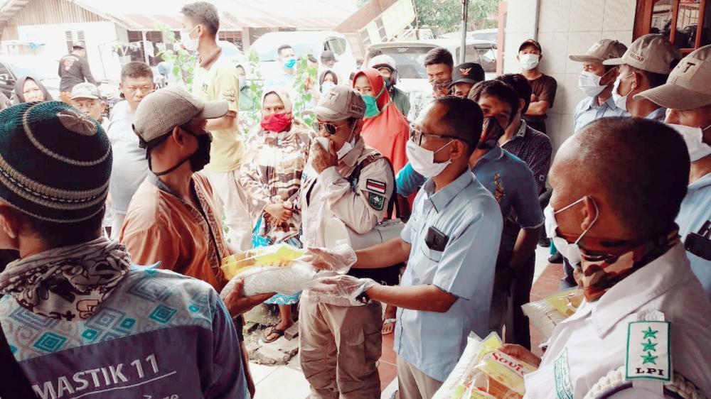 Mantan Bupati Pelalawan, T. Azmun Jaafar Dukung Penuh Husni Tamrin dalam. Pilkada Mendatang